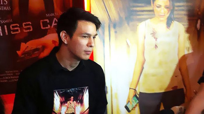 Marcell Darwin enthusiastically plays in 'Miss Call' movie
